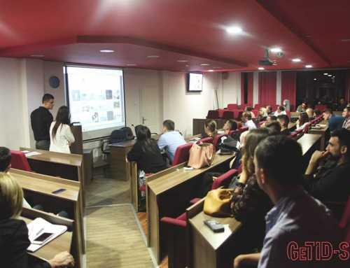 Studenti druge godine smjera Grafički dizajn i vizuelne komunikacije Maja Radinović i Vuk Stupar na konferenciji GeTiD-S, pod vodstvom mentora Zorana Gazibarića.